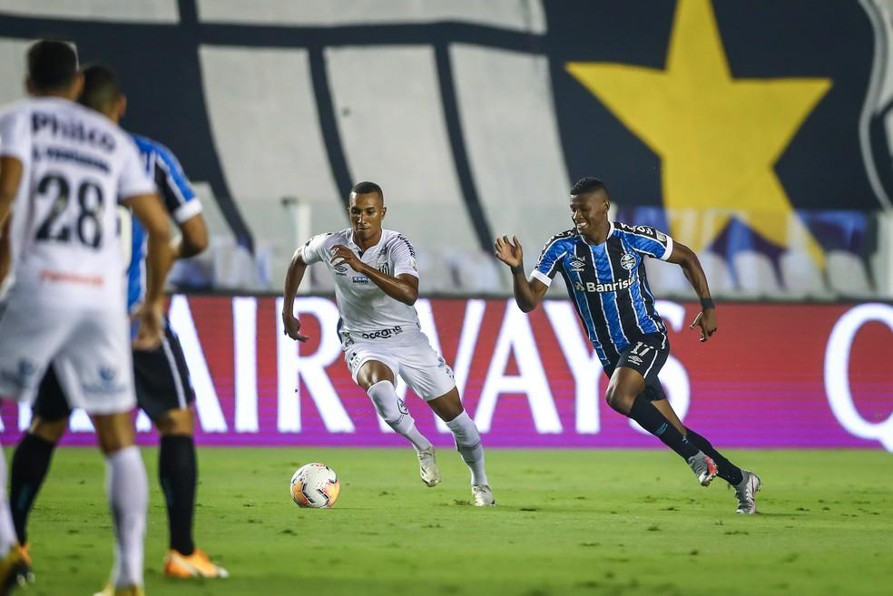 Orejuela em Santos 4x1 Grêmio pela Libertadores — Foto: Lucas Uebel/DVG/Grêmio