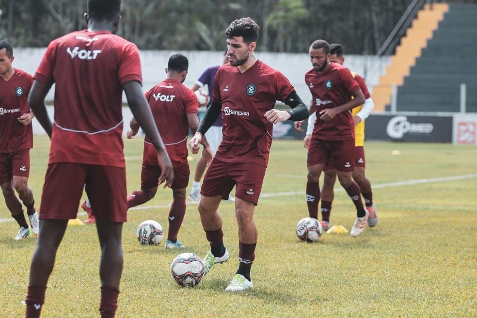 Thiago Ennes volta a treinar com bola no Remo — Foto: Samara Miranda/Ascom Remo