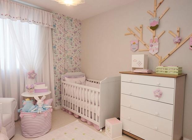 O quarto da pequena Liz foi inspirado nos jardins de Monet, localizados em Giverny, na França (Foto: Divulgação/ Grão de Gente)