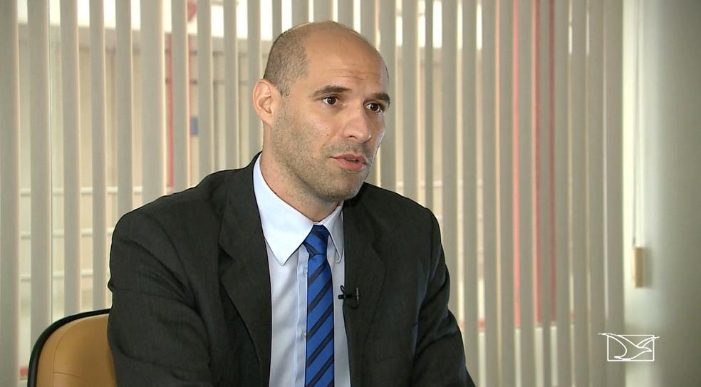 Procurador Jairo Cavalcanti explicou que é considerado pagamento quando um documento chega ao TCE  e há comprovação de transferência bancária, como um dos exemplos. (Foto: Reprodução/TV Mirante)