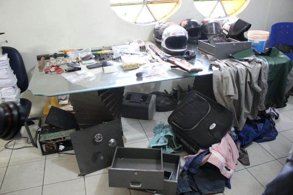 Material foi encontrado no conjunto Torquato Neto, na Zona Sul de Teresina (Foto: João Marcelo / G1 PI)