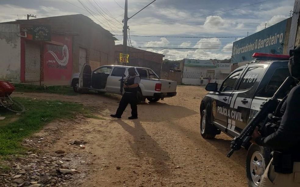 Ação policial na Zona Sul de Aracaju — Foto: SSP/SE/Divulgação