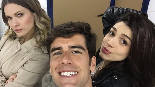Marcos Pitombo brinca com Karen Junqueira e Sabrina Petraglia sobre Shirlipe, e revela estado civil