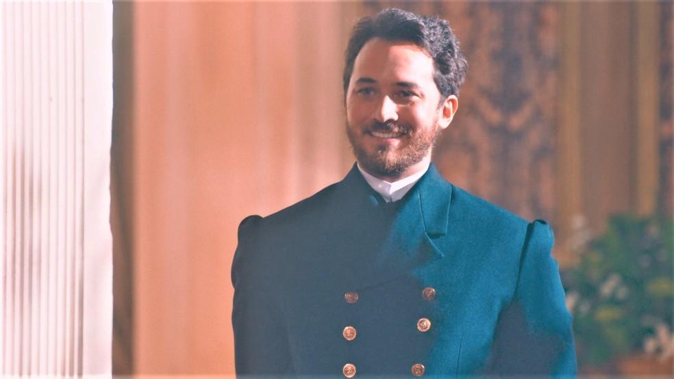 Príncipe Pierre de Orléans (Gabriel Falcão) será o pretendente a marido de Princesa Isabel (Giulia Gayoso) em 'Nos Tempos do Imperador' — Foto: Globo