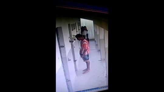 Resultado de imagem para Vídeo mostra agente socioeducativa beijando interno dentro da Funase no Grande Recife