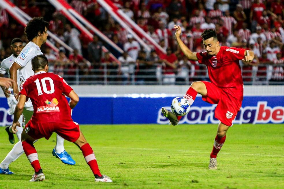 Luidy na partida contra o Náutico, pela Copa do Nordeste — Foto: Ailton Cruz/Gazeta de Alagoas