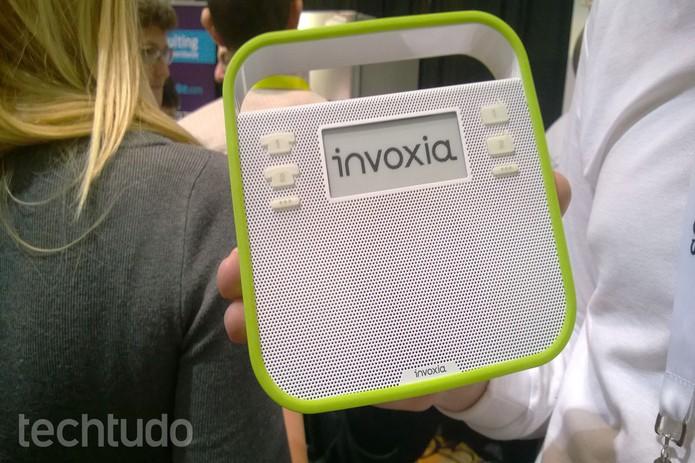 Pequeno visor pode ser usado para exibir mensagens enviadas através do app do produto (Foto: Elson de Souza/ TechTudo)