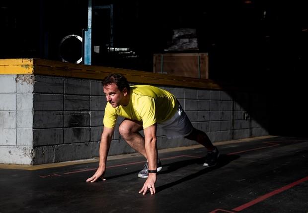 """""""Meu trabalho está diretamente relacionado com minha atividade física. Consigo me desplugar, de maneira saudável"""", diz André Assis Brasil  (Foto: Agência Ophelia para G.lab)"""