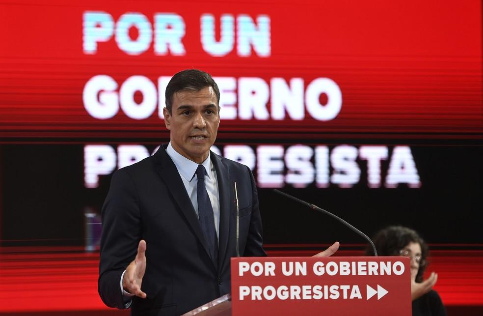 Pedro Sánchez em discurso durante a campanha eleitoral. — Foto: Pierre-Philippe Marcou / AFP