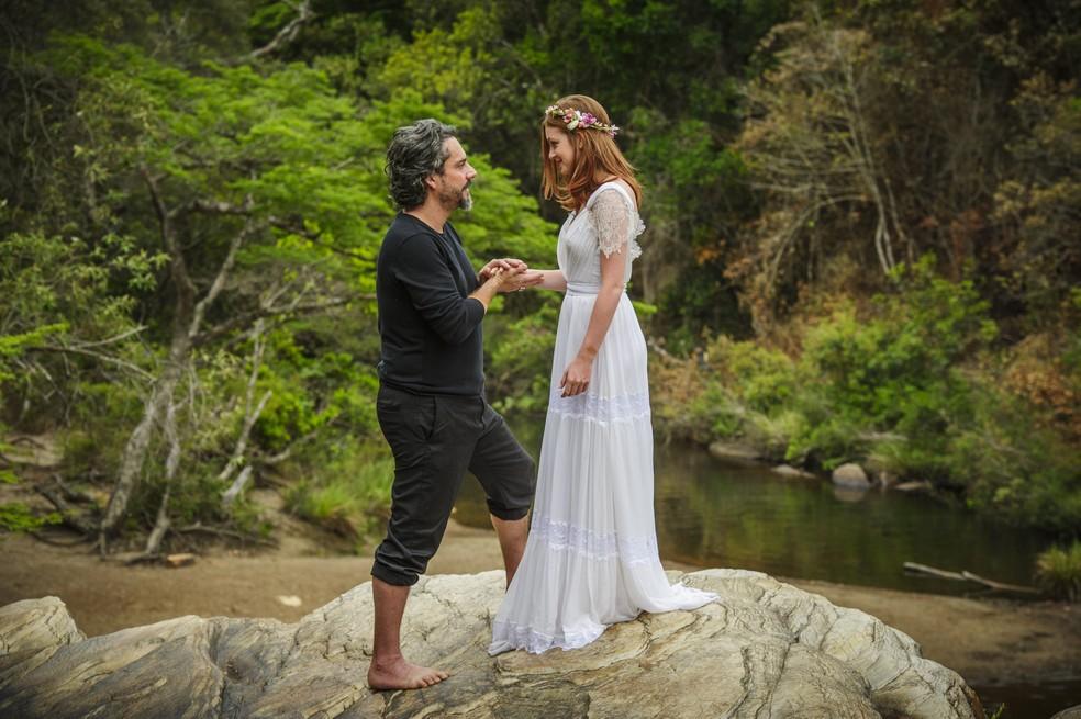 José Alfredo (Alexandre Nero) diz que quer se casar com Maria Isis (Marina Ruy Barbosa) - 'Império' — Foto: Alex Carvalho/Globo