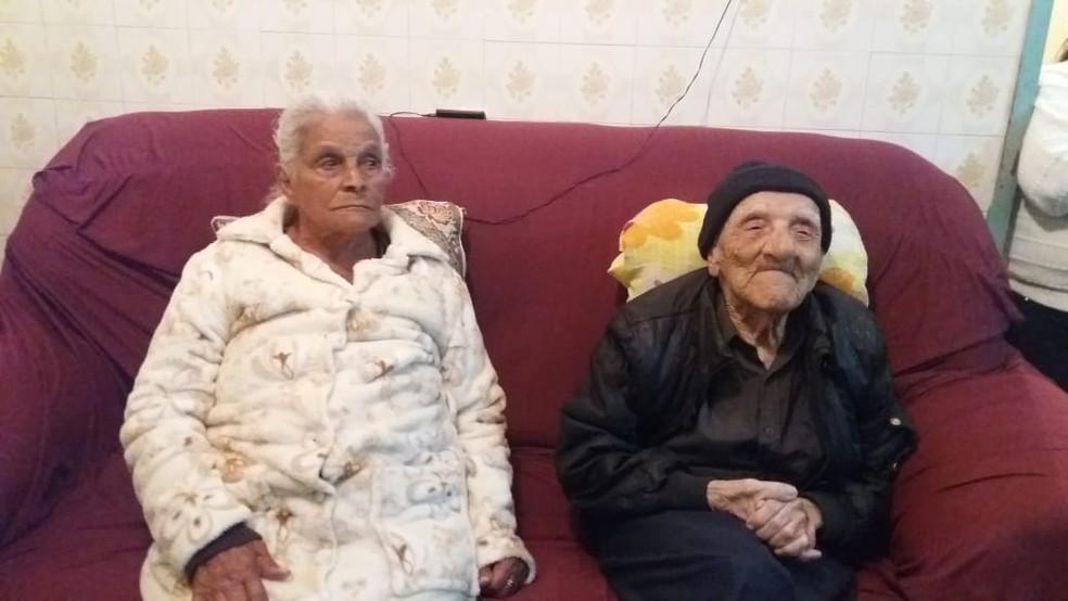 Raimundo e a esposa tiveram e se recuperaram da Covid-19 — Foto: Divulgação/Arquivo pessoal