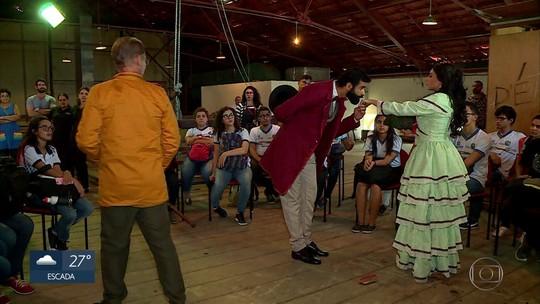 Aula-espetáculo conta a história do Teatro de Santa Isabel