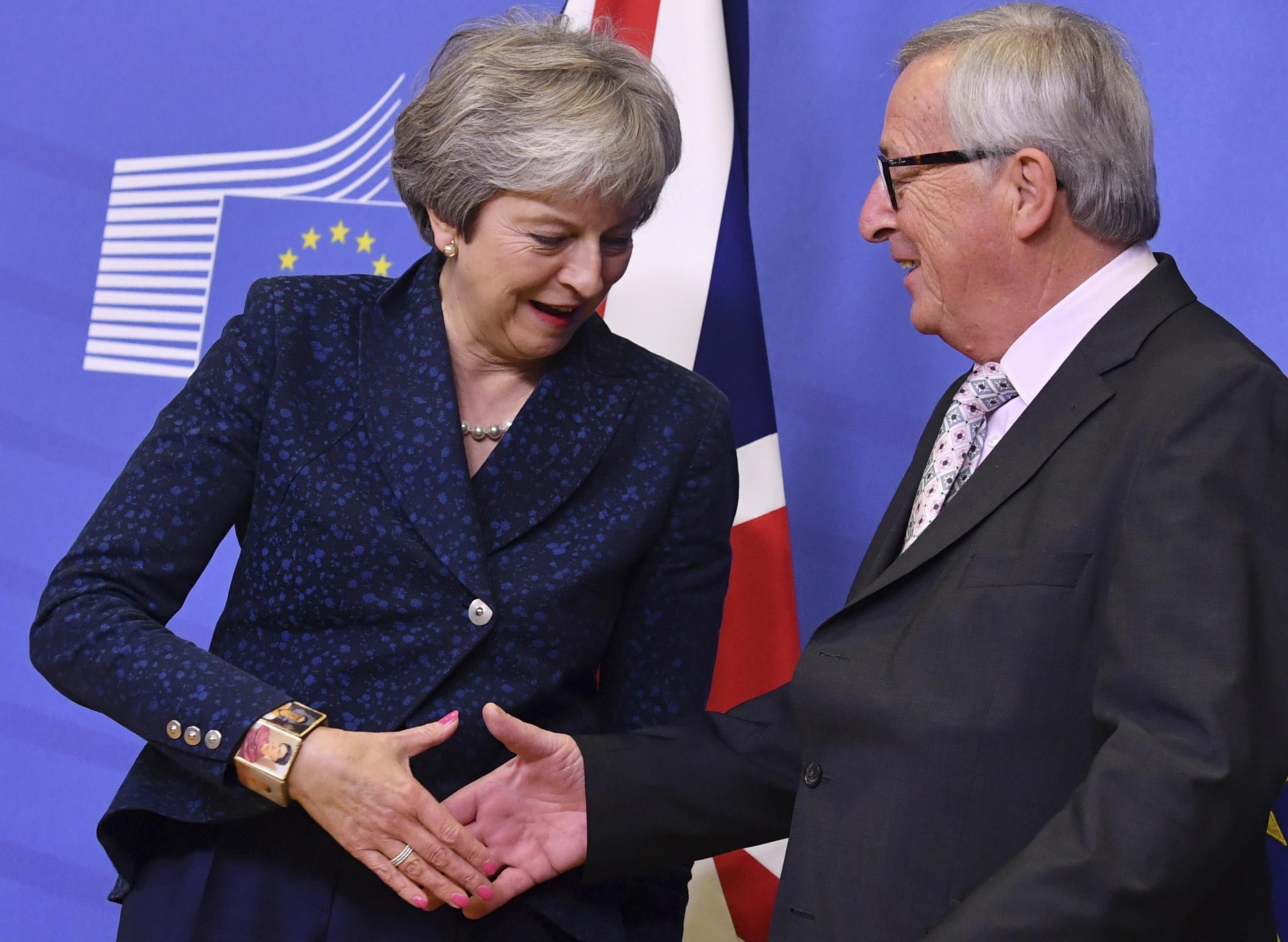 Decisão histórica inicia processo de ratificação da 1ª saída de um país da  UE. O presidente do Comissão Europeia, Jean-Claude ... a235ab4213