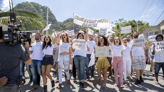 Diretor Bruno Martins comenta gravação de manifestação em 'Sol Nascente'