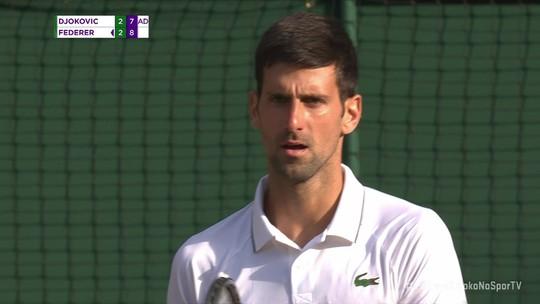 Match points salvos por Djoko e show de habilidade de Federer: veja lances da final de Wimbledon