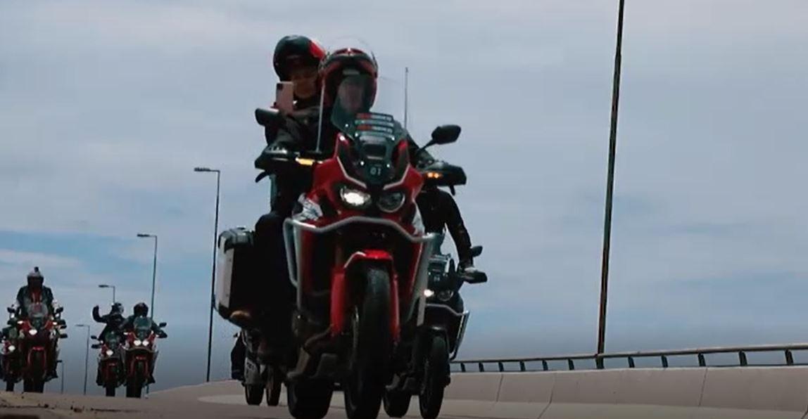De moto, grupo de amigos encara estrada para acompanhar inauguração da ponte que liga AC e RO
