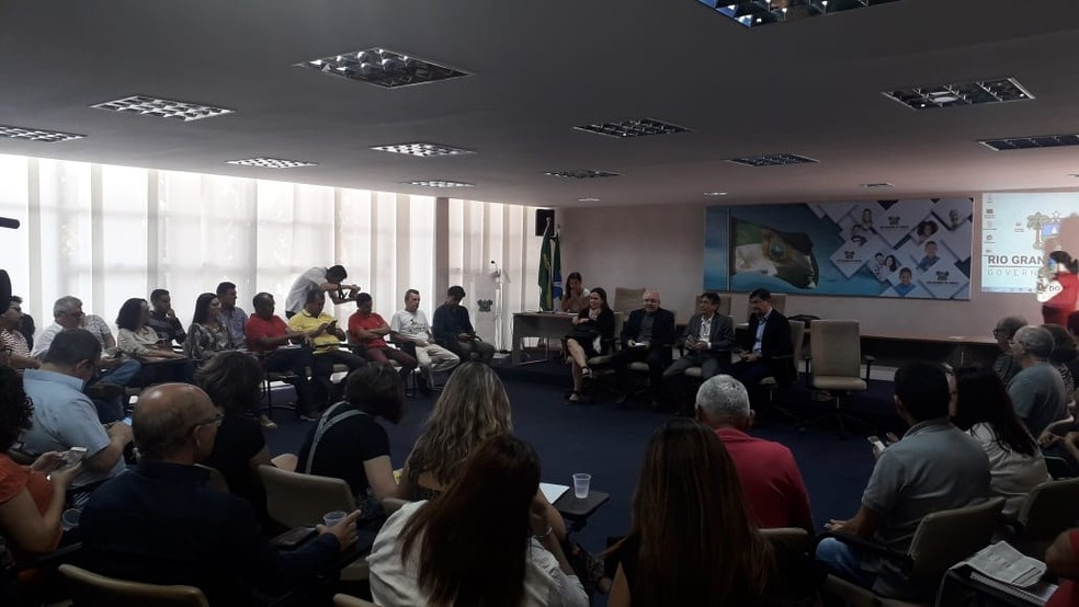 Governo do RN se reuniu com servidores nesta quinta-feira (30) para discutir previdência — Foto: Julianne Barreto/InterTV Cabugi