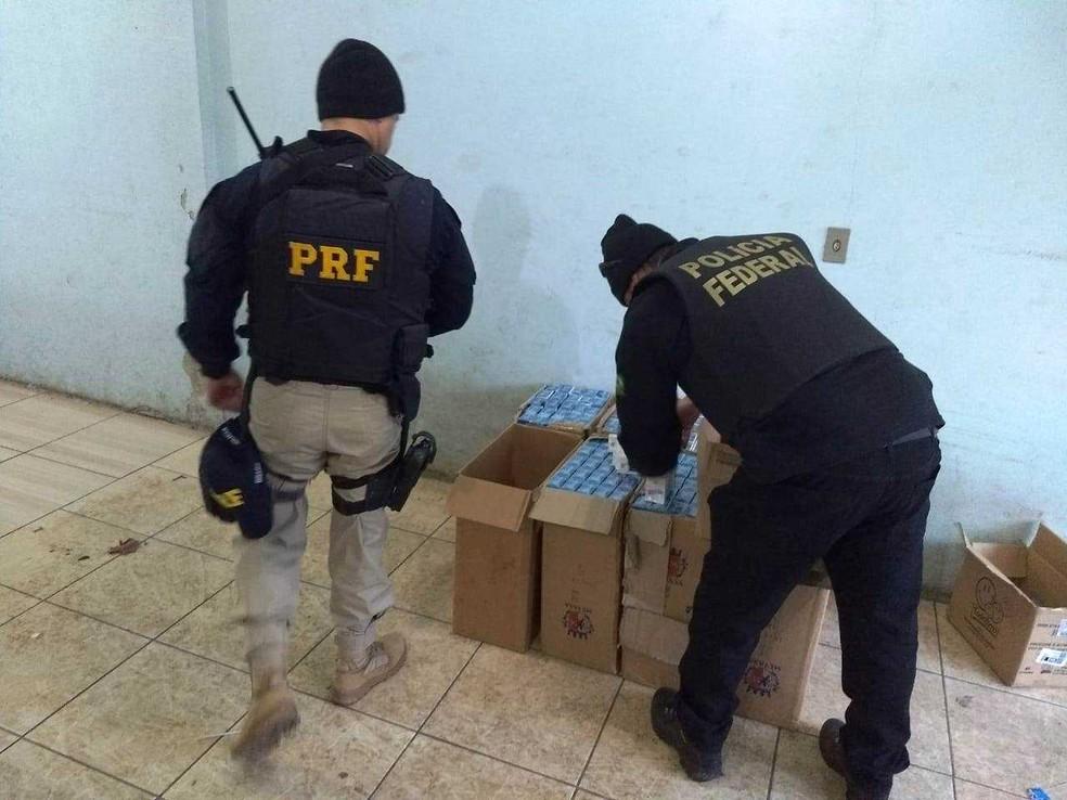 Desde o início das investigações, 1,4 milhão de maços de cigarros foram apreendidos  (Foto: PF/Divulgação)