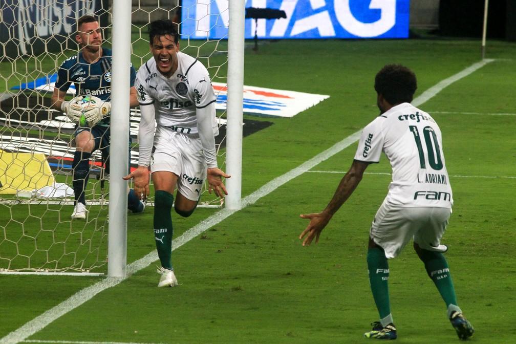 Gustavo Gómez comemora gol do Palmeiras contra o Grêmio — Foto: DANI BARCELLOS/ENQUADRAR/ESTADÃO CONTEÚDO