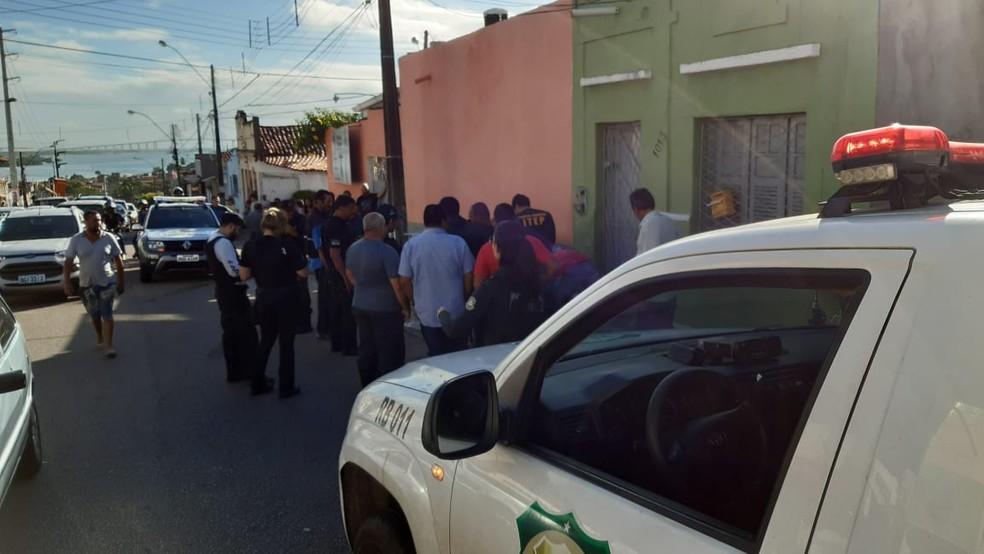 Subtenente da reserva Adonilson Ferreira de Oliveira, de 54 anos, foi assassinado na manhã desta sexta (19) em Natal.  — Foto: Sérgio Henrique Santos/Inter TV Cabugi