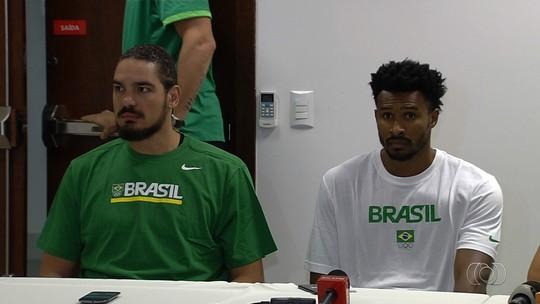 """Longe da seleção desde a Rio-2016, Leandrinho exalta retorno: """"Muito feliz"""""""