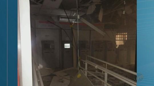 Grupo explode caixas eletrônicos e troca tiros com a PM em Miguelópolis, SP