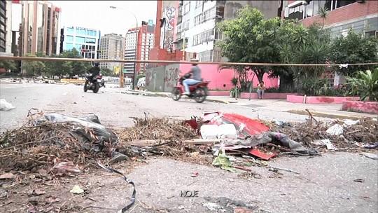 Oposição bloqueia ruas na véspera de eleição decisiva na Venezuela