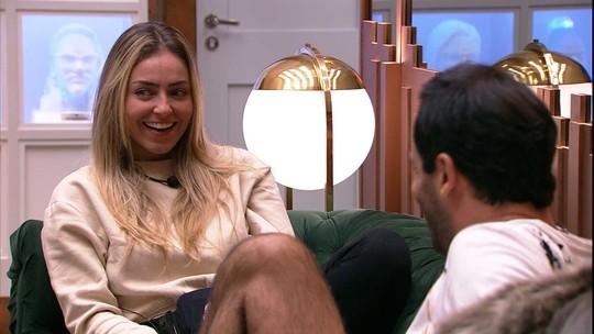 Vinicius imita voz de Paula e sister comenta: 'Eu tô com medo da minha voz parecer estridente'