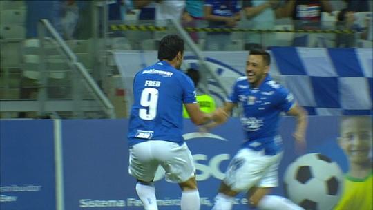 Velocidade máxima: Cruzeiro vai à semifinal com toques rápidos e gols no início de cada tempo