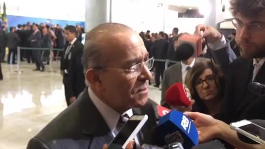Padilha: Meirelles 'conduziu magistralmente' revisão da meta fiscal