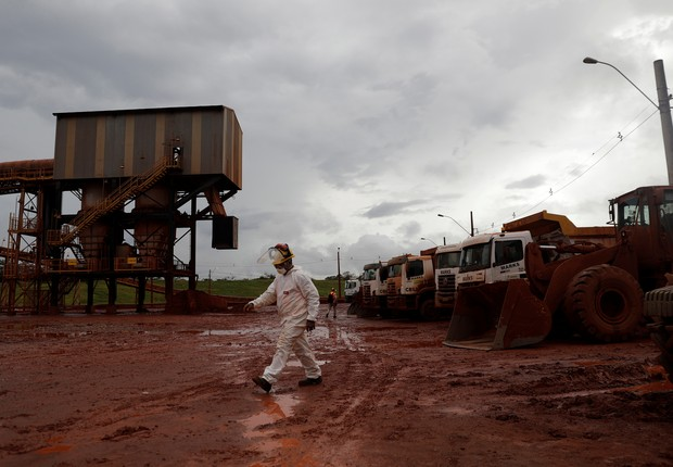Área interditada de resíduo de rejeitos da refinaria de bauxita da Hydro Alunorte em Barcarena, no Pará (Foto: Ricardo Moraes/Reuters)