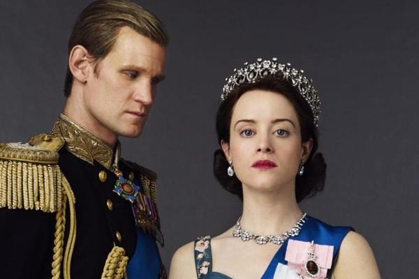 Matt Smith e Claire Foy em foto promocional de The Crown (Foto: Divulgação)