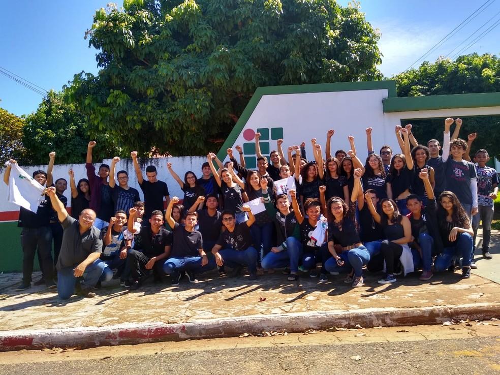 Estudantes em protesto no IFMA de Porto Franco — Foto: Reprodução/Redes Sociais