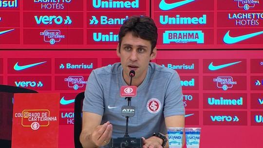 "Colbachini saúda pedido de Odair e agradece confiança do time: ""Tive o apoio de todos"""