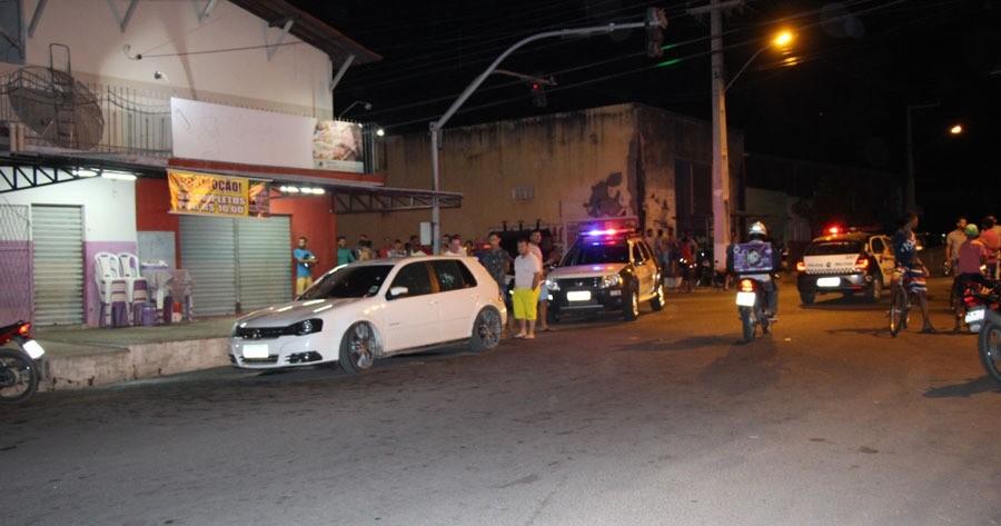 Bandido morre em confronto com a PM após roubar carro em Mossoró