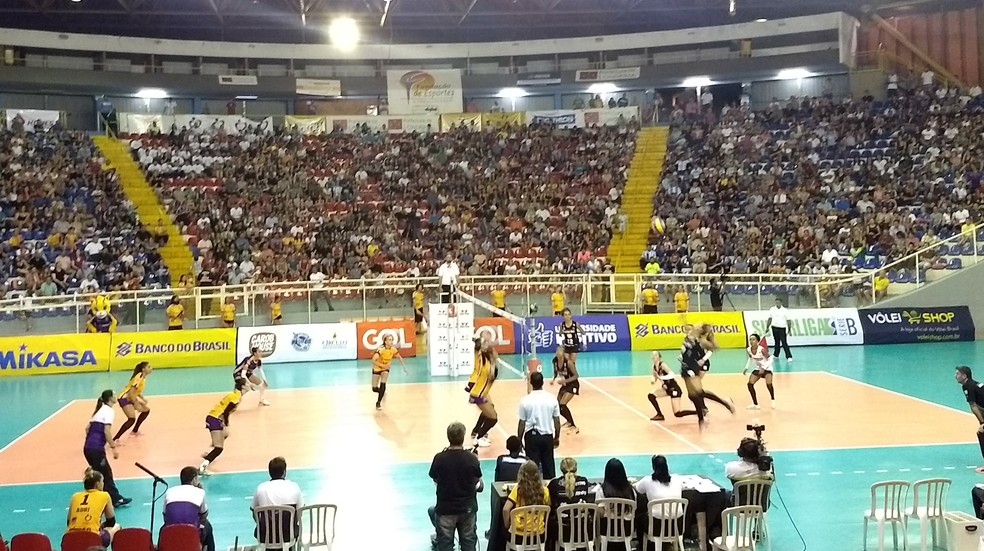 c18c512c57 Curitiba vence Londrina no tie break e é campeã da Superliga B ...