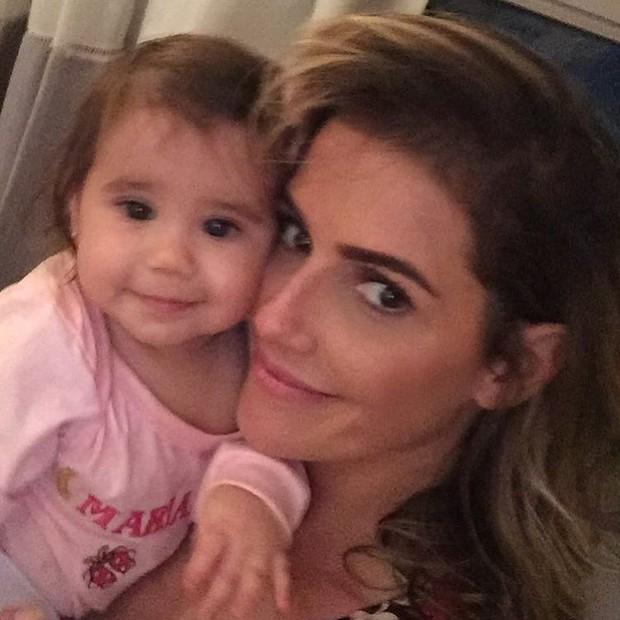 Deborah Secco com a filha, Maria Flor (Foto: Instagram / Reprodução)