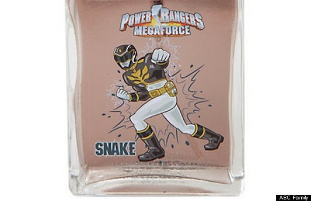 Imaginando como os superheróis de 'Power rangers' fazem para ficarem cheirosos? Pois é possível comprar perfume aroma 'cobra' (Foto: Reprodução da internet)