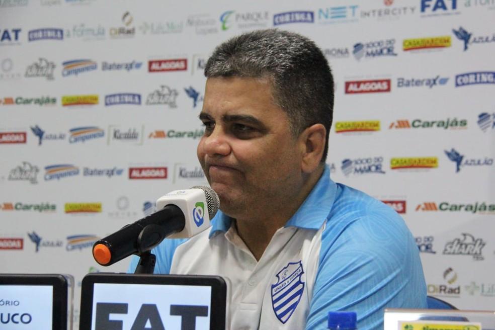 Marcelo Cabo participou da maior parte das contratações do CSA — Foto: Denison Roma/GloboEsporte.com