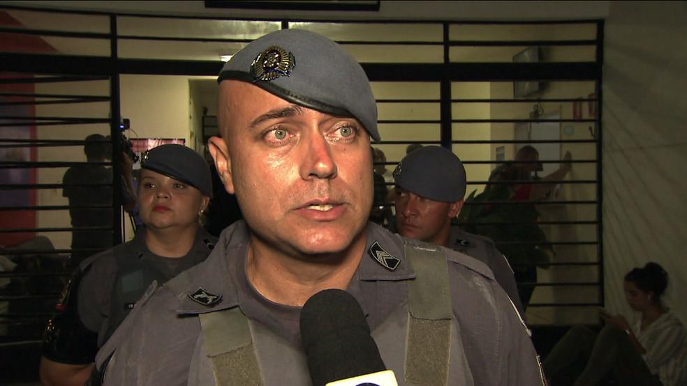 Sargento da PM foi o primeiro a entrar na escola de Suzano após massacre — Foto: Reprodução TV Globo