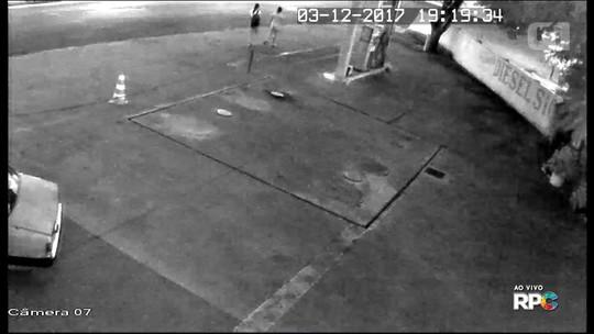 Polícia divulga imagens que mostram jovem pegando carona com 'conhecido' antes de ser encontrada morta