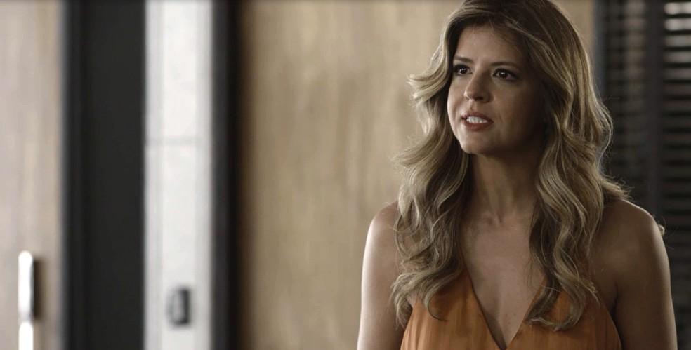 Maria Pia é demitida e tem uma reação inesperada! (Foto: TV Globo)