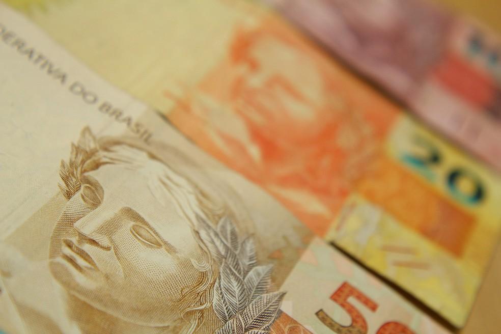 Aposentados e pensionistas começam a receber 1ª parcela do 13º salário (Foto: Marcos Santos/USP Imagens)