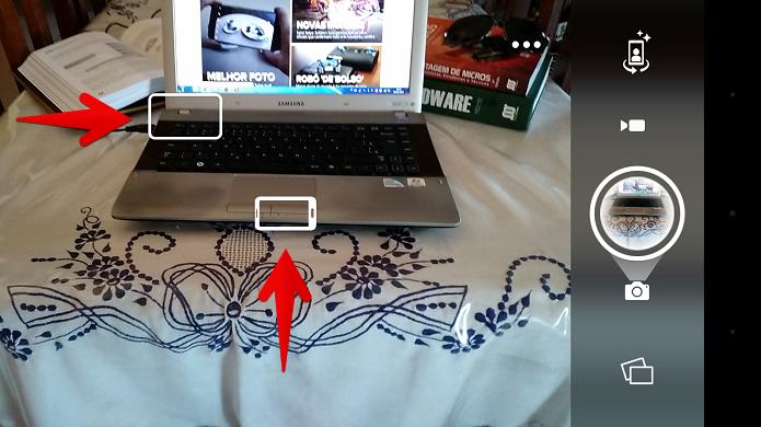 Note os dois ícones diferentes na tela do smartphone (Foto: Felipe Alencar/TechTudo)