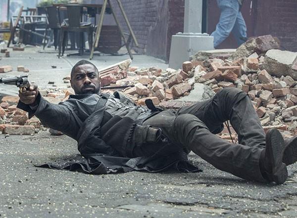 Idris Elba em cena no filme 'A Torre Negra' (2017) (Foto: Divulgação)