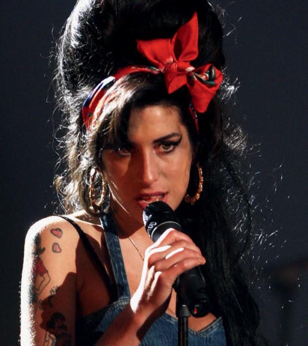 Amy Winehouse, anos 2000 (Foto: Hulton Archive, Pascal Le Segretain, Sean Gallup, Slaven Vlasic/Getty Images)
