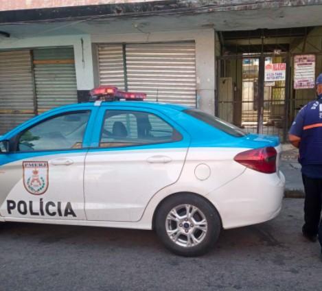 Criminosos matam dois irmãos em salão de beleza em Caxias, RJ