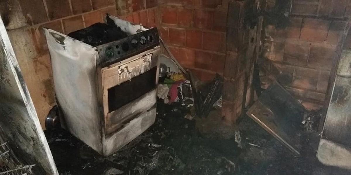 Briga de casal termina em casa incendiada em Cataguases - G1