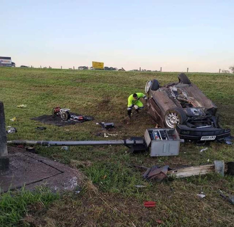 Carro ficou destruído na manhã deste domingo em Rio Claro â?? Foto: Arquivo Pessoal