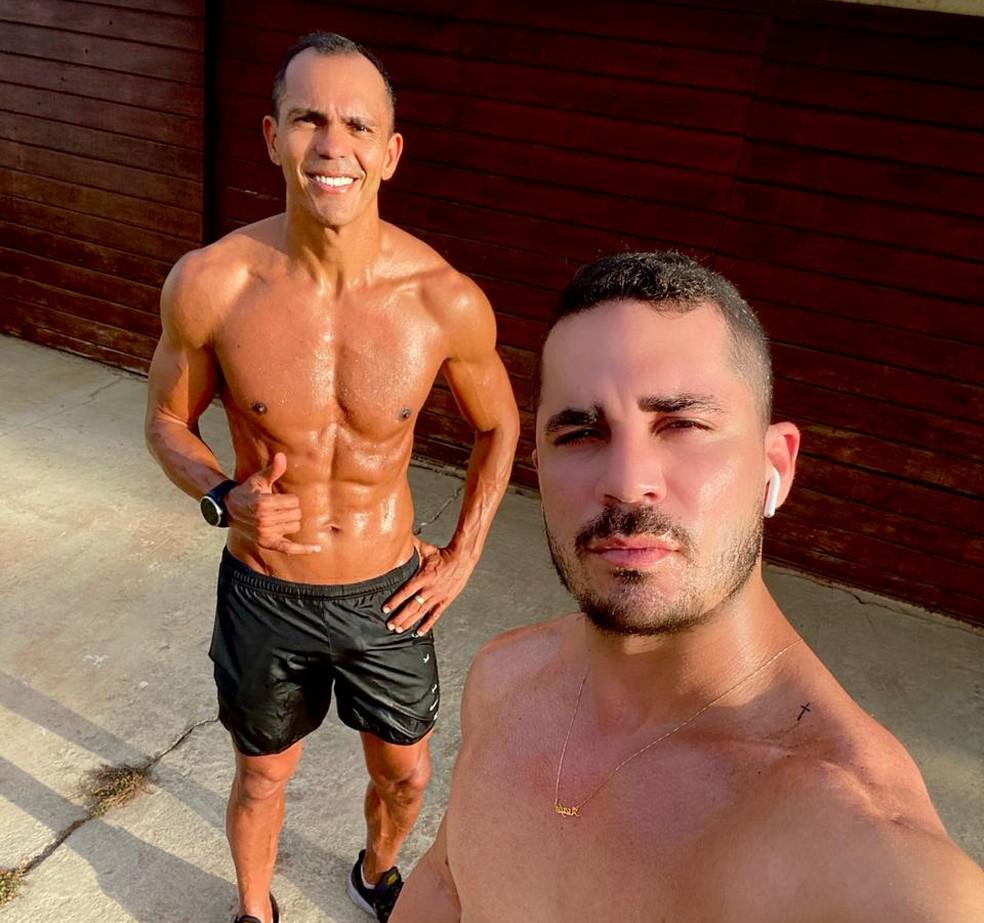 Giovanni é amigo pessoal de Elyeser e responsável por indicá-lo ao Santos ainda garoto — Foto: Divulgação